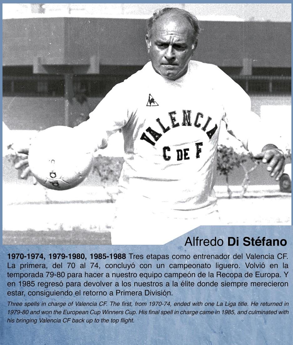 Alfredo Di Stefano a legend of the Valencia CF bench Valencia
