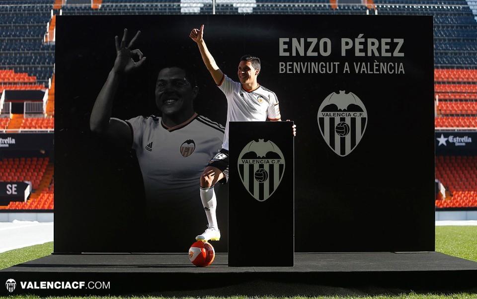 Валенсия представила Энцо Переса - изображение 3